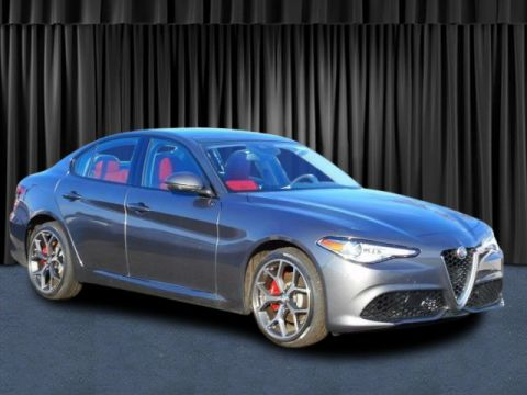 New 2018 Alfa Romeo Giulia Ti Sport With Navigation & AWD